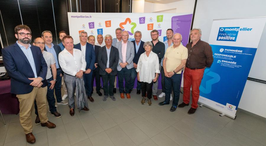 Les premiers membres du Conseil métropolitain de l'industrie positive lors de son lancement